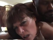 Slutty mature brunette gets her cunt stuffed